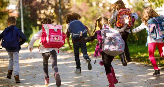 Školní batoh a zdravá záda  Vsaďte na kvalitu! ae13b67ae4
